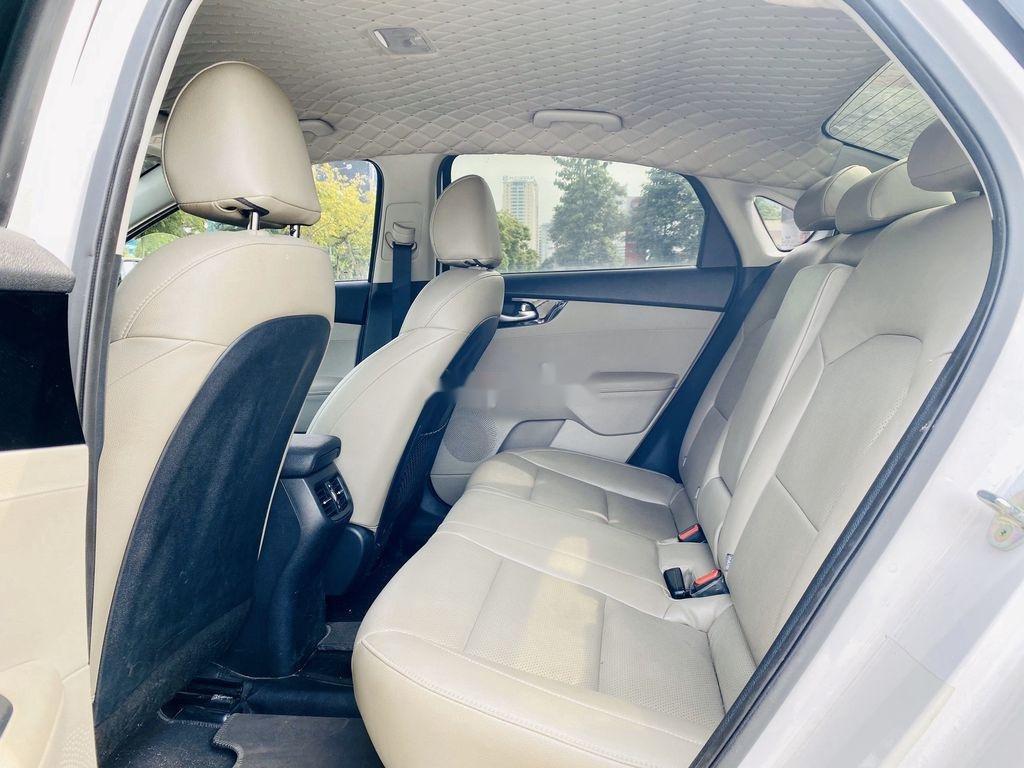 Cần bán Kia Cerato năm 2019, màu trắng (4)