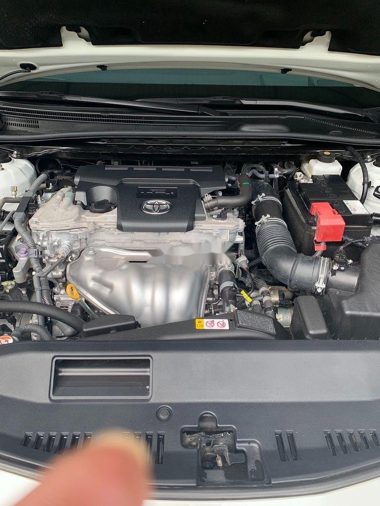 Cần bán gấp Toyota Camry năm 2019, màu trắng, xe nhập (9)