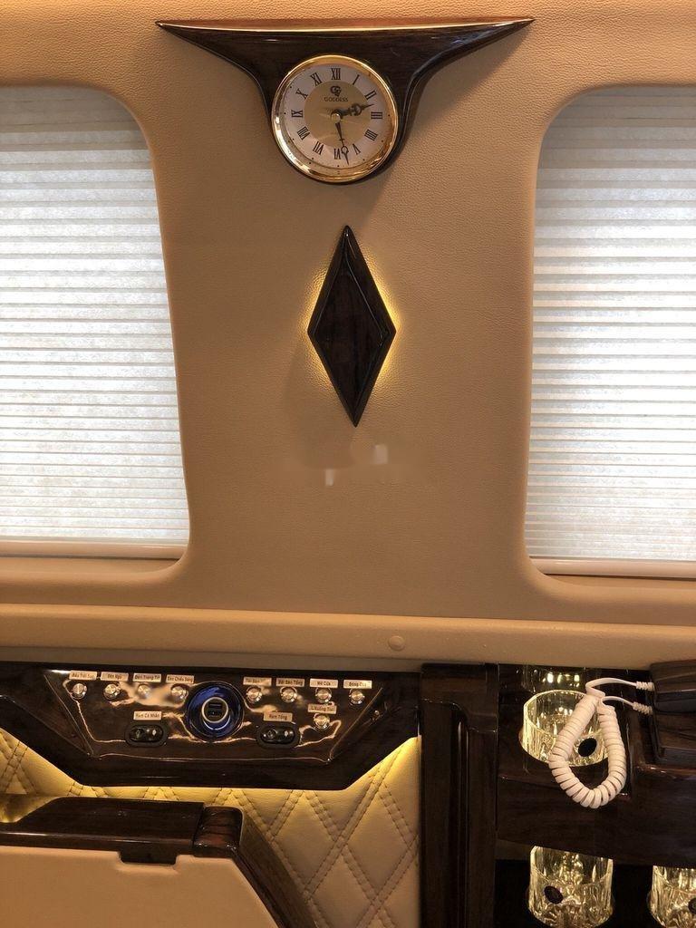 Cần bán xe Ford Transit Limousine sản xuất năm 2019 (3)