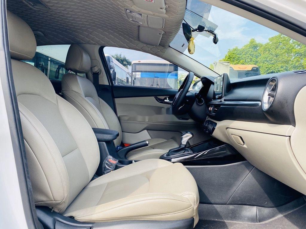 Cần bán Kia Cerato năm 2019, màu trắng (9)