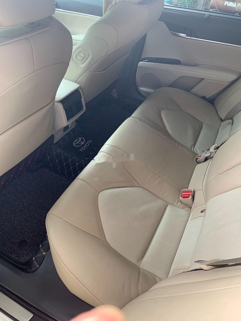 Cần bán gấp Toyota Camry năm 2019, màu trắng, xe nhập (5)