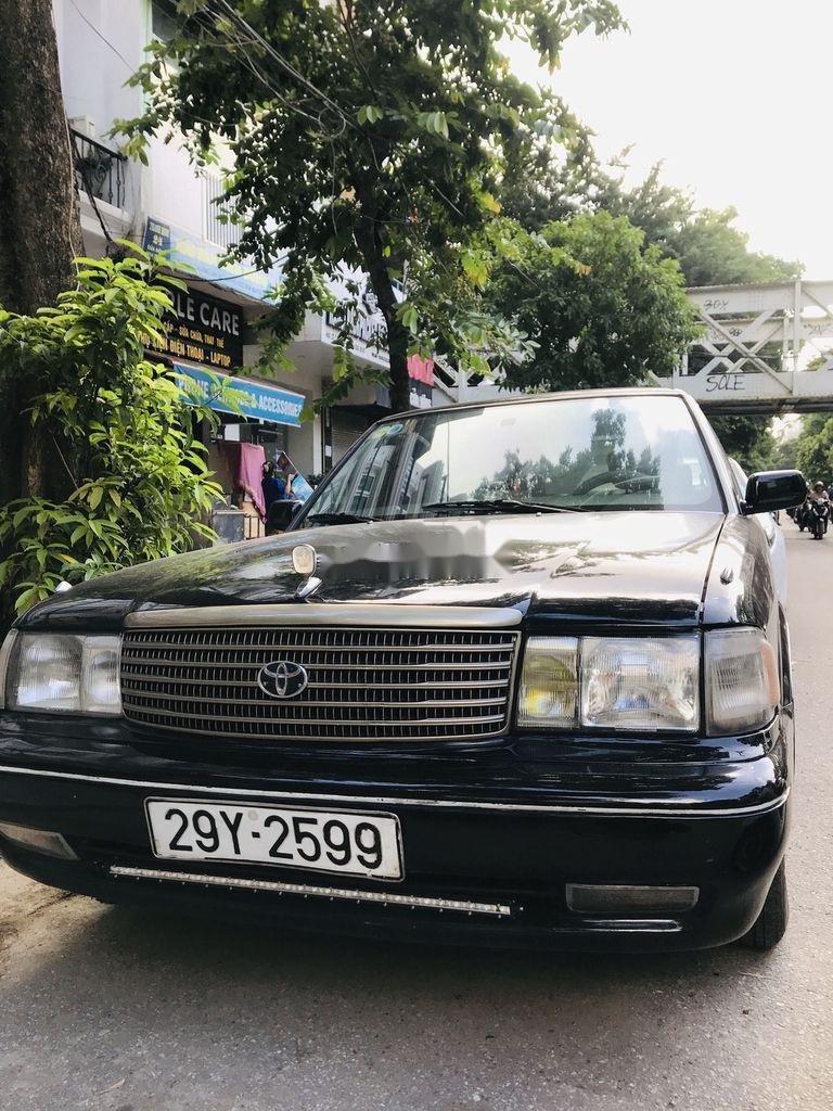 Bán Toyota Crown đời 1993, màu đen, xe nhập (1)