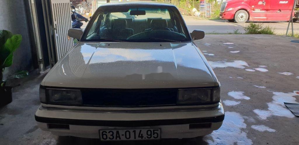 Bán Nissan Bluebird sản xuất 1984, màu trắng, nhập khẩu nguyên chiếc (2)