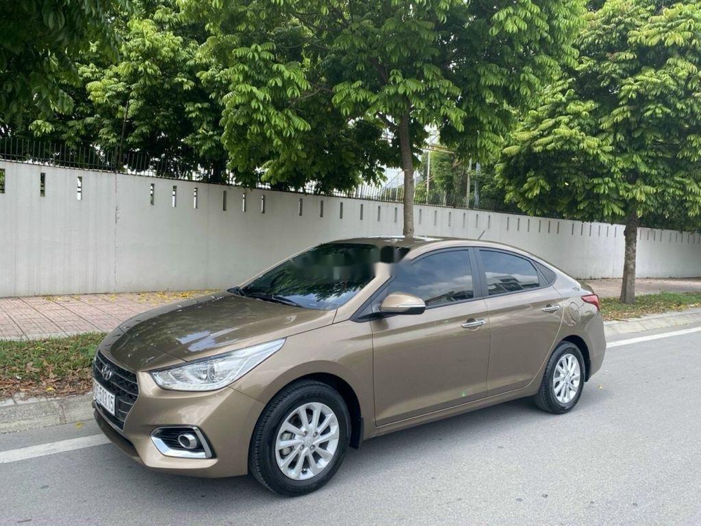 Cần bán lại xe Hyundai Accent 1.4 AT đời 2018, màu vàng cát (2)
