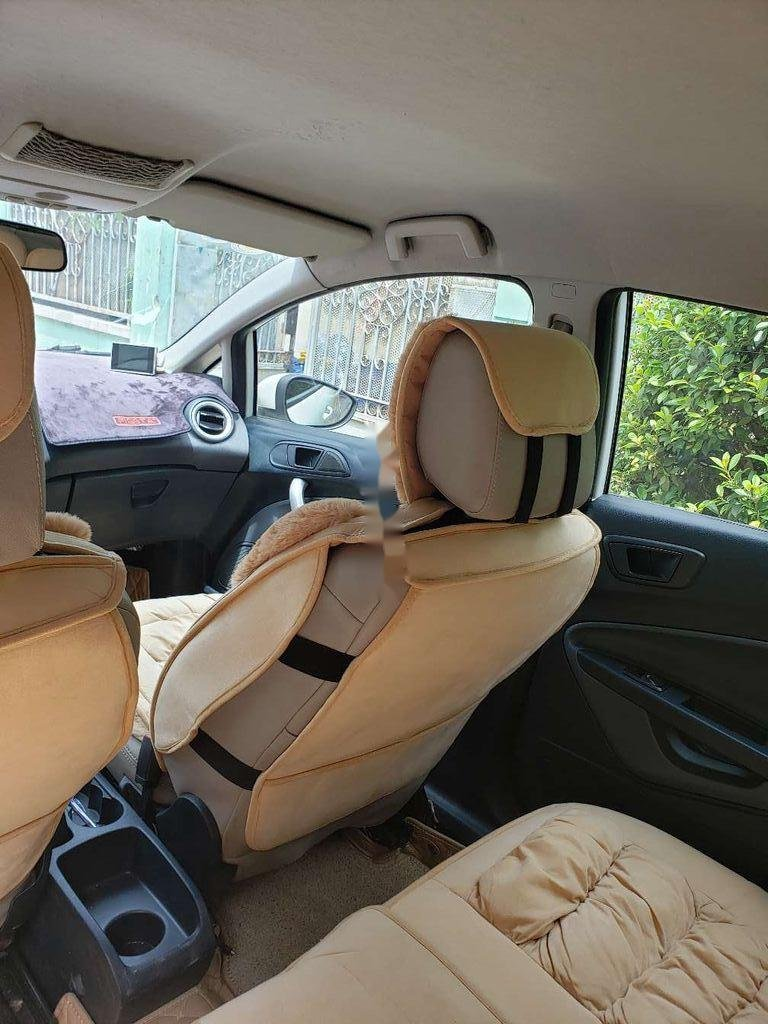 Cần bán xe Ford Fiesta 2011, màu trắng, xe nhập chính chủ, 275tr (9)