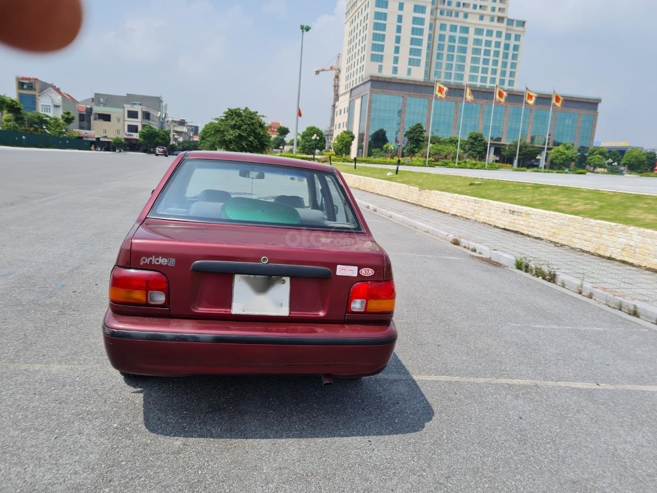Cần bán Kia Pride GTL, SX 2001, máy xăng, nhập khẩu, đã chạy 80000km, xăng 6 L/100km, nội thất màu ghi, xe 5 cửa, máy 1.3 (4)