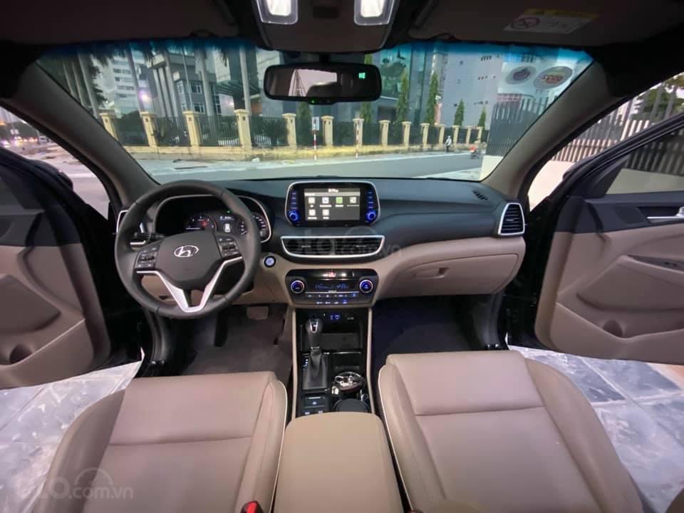 Cần bán xe Hyundai Tucson 2019, máy dầu, số tự động, chạy ổn định (2)