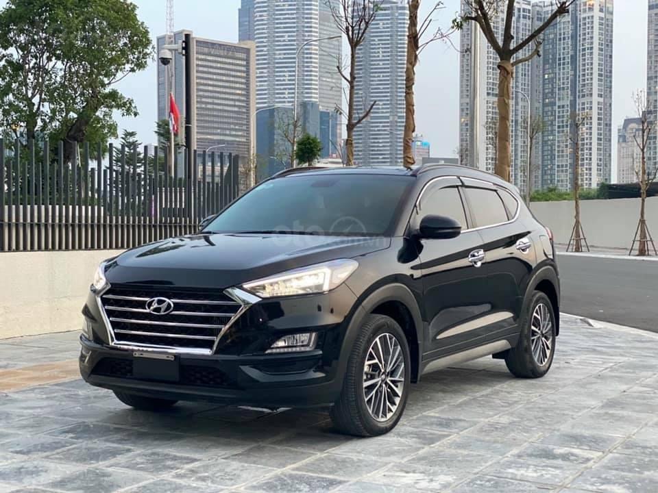 Cần bán xe Hyundai Tucson 2019, máy dầu, số tự động, chạy ổn định (1)