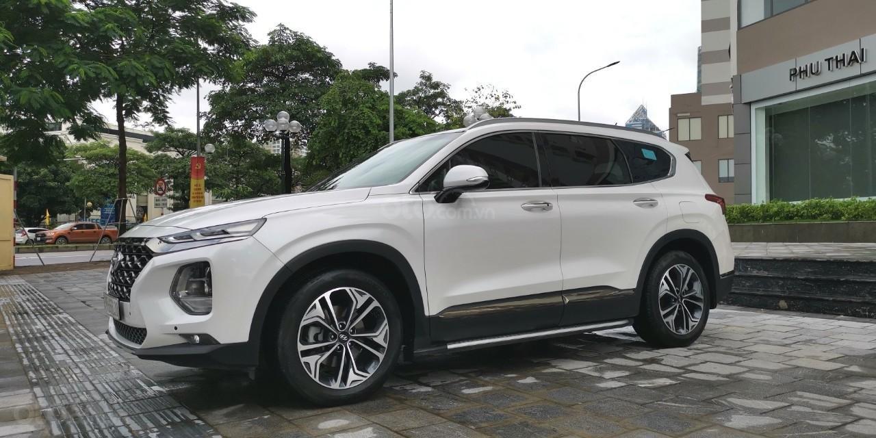 Hyundai Santa Fe 2019 Premium Diesel HTRAC 2.2D (2)