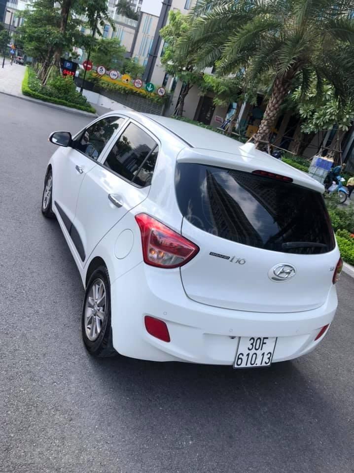 Cần bán gấp Hyundai Grand i10 năm 2016, màu trắng, nhập khẩu (5)