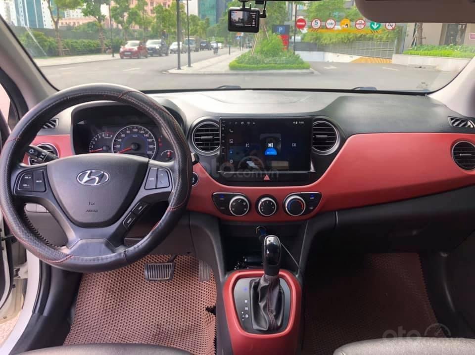 Cần bán gấp Hyundai Grand i10 năm 2016, màu trắng, nhập khẩu (7)