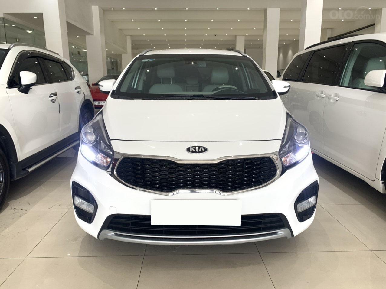 Bán xe Kia Rondo GAT 2.0 2018 cực đẹp (1)