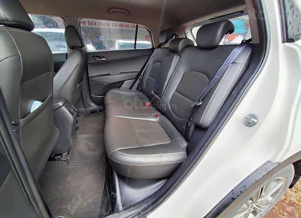 Bán Hyundai Creta năm 2016, màu trắng, xe nhập còn mới (3)