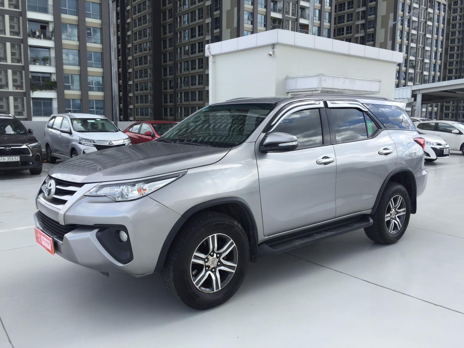 Thanh lý xe Toyota Fortuner 2.4G MT 2017, màu bạc xe đi được 79.000km - Xe chất giá tốt (2)