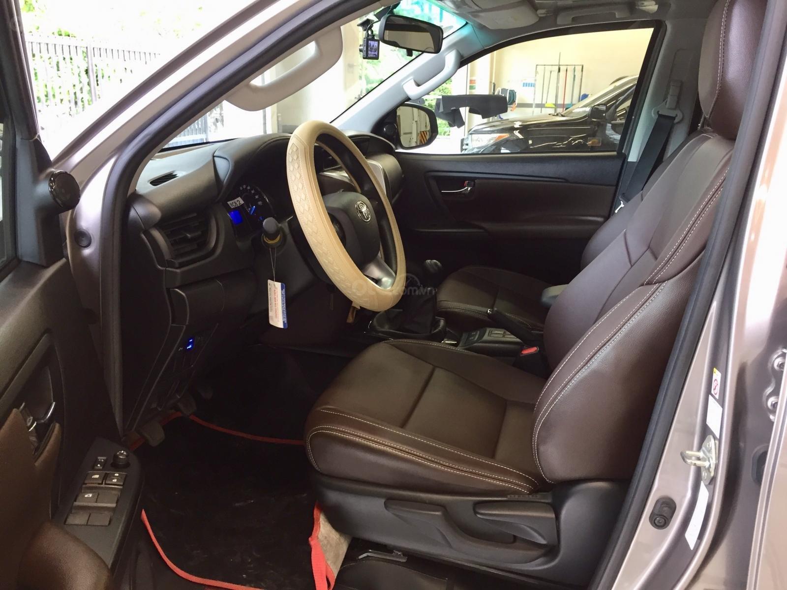 Thanh lý xe Toyota Fortuner 2.4G MT 2019, màu đồng, xe đi được đi 8.700km - xe chất giá tốt (7)