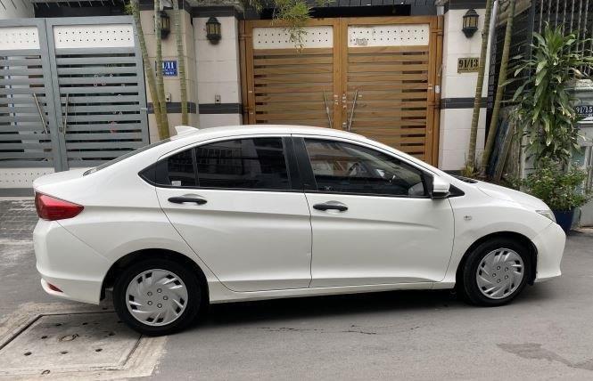 Bán Honda City 1.5AT đời 2017, màu trắng còn mới  (5)