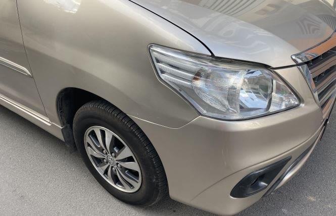 Bán ô tô Toyota Innova 2.0G năm sản xuất 2016, màu bạc xe gia đình (7)