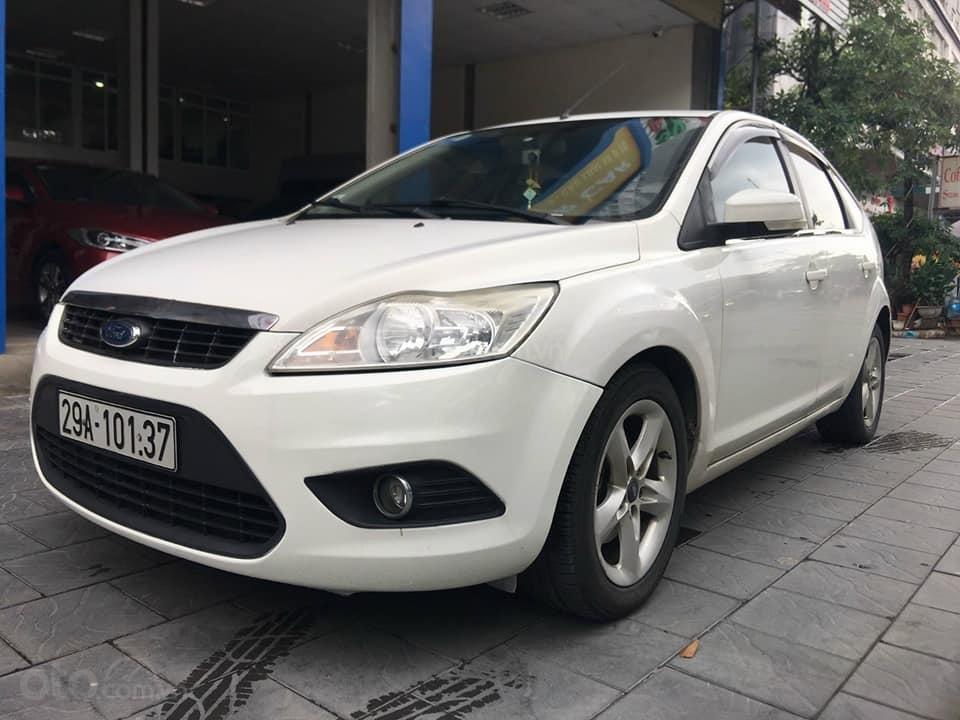 Cần bán gấp xe Focus 1.8AT sản xuất 2011 (2)