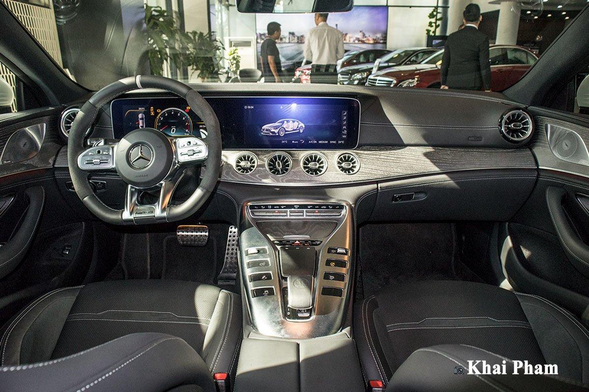 Ảnh Khoang lái xe Mercedes-AMG GT53 2020