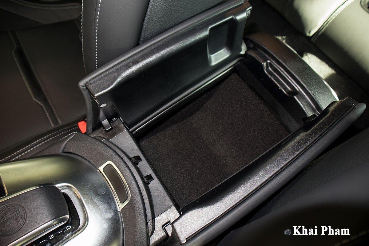 Ảnh Hộp đồ xe Mercedes-AMG GT53 2020
