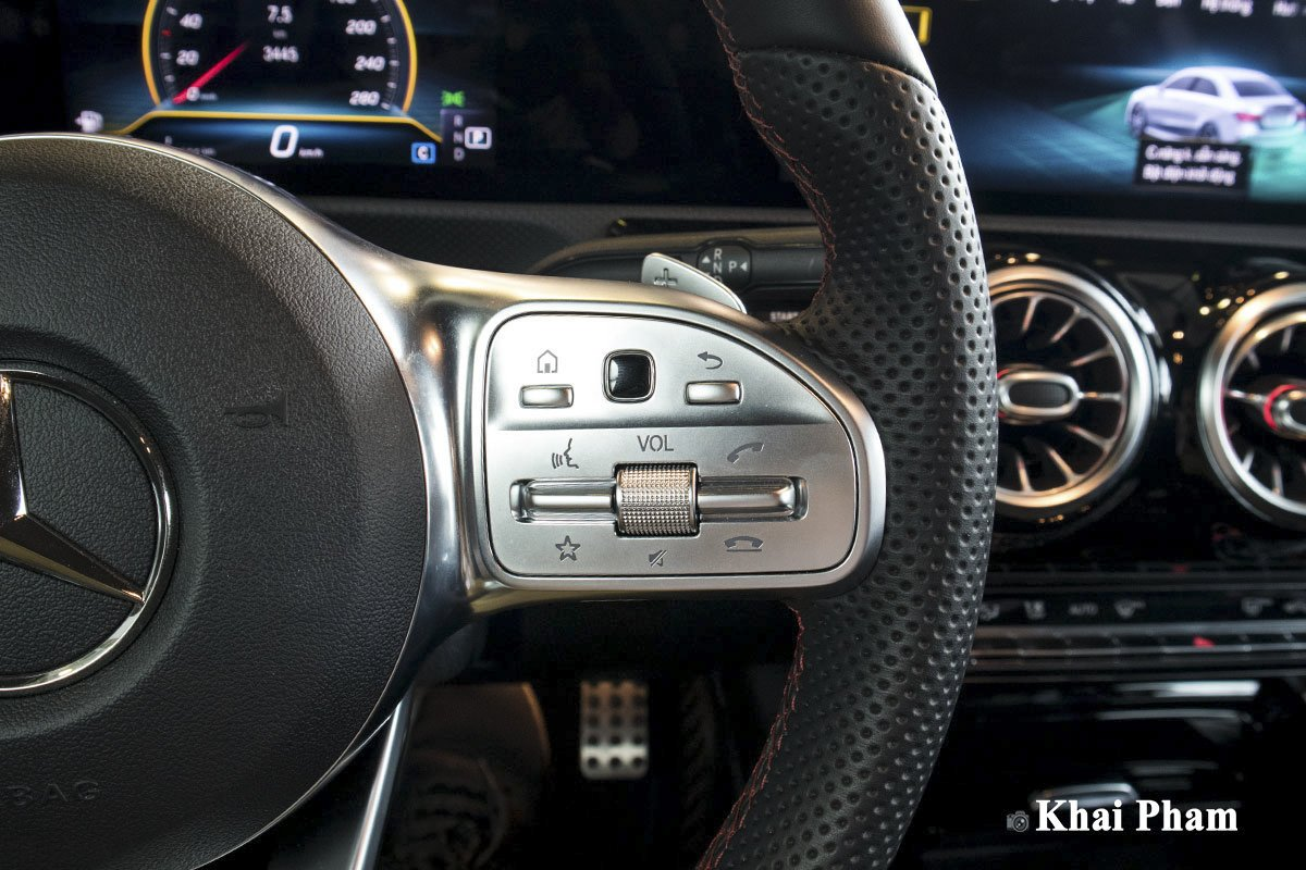Ảnh Nút bấm xe Mercedes-Benz A35 AMG 2020 a1