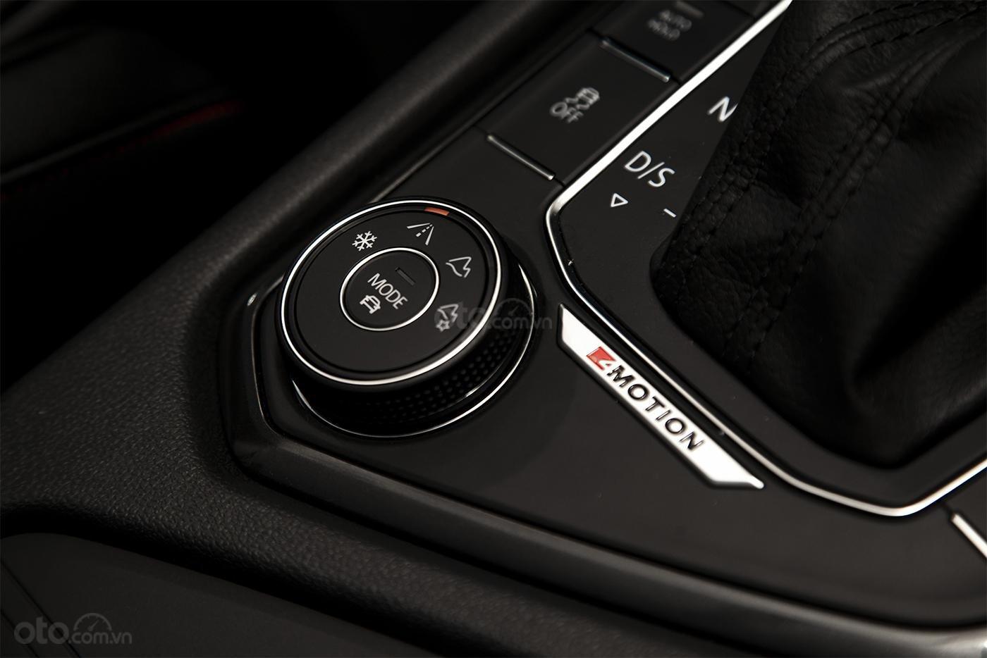 Tiguan Luxury S Màu xám - Phiên bản Offroad khuyến mãi hấp dẫn - Xe đủ màu giao ngay (9)