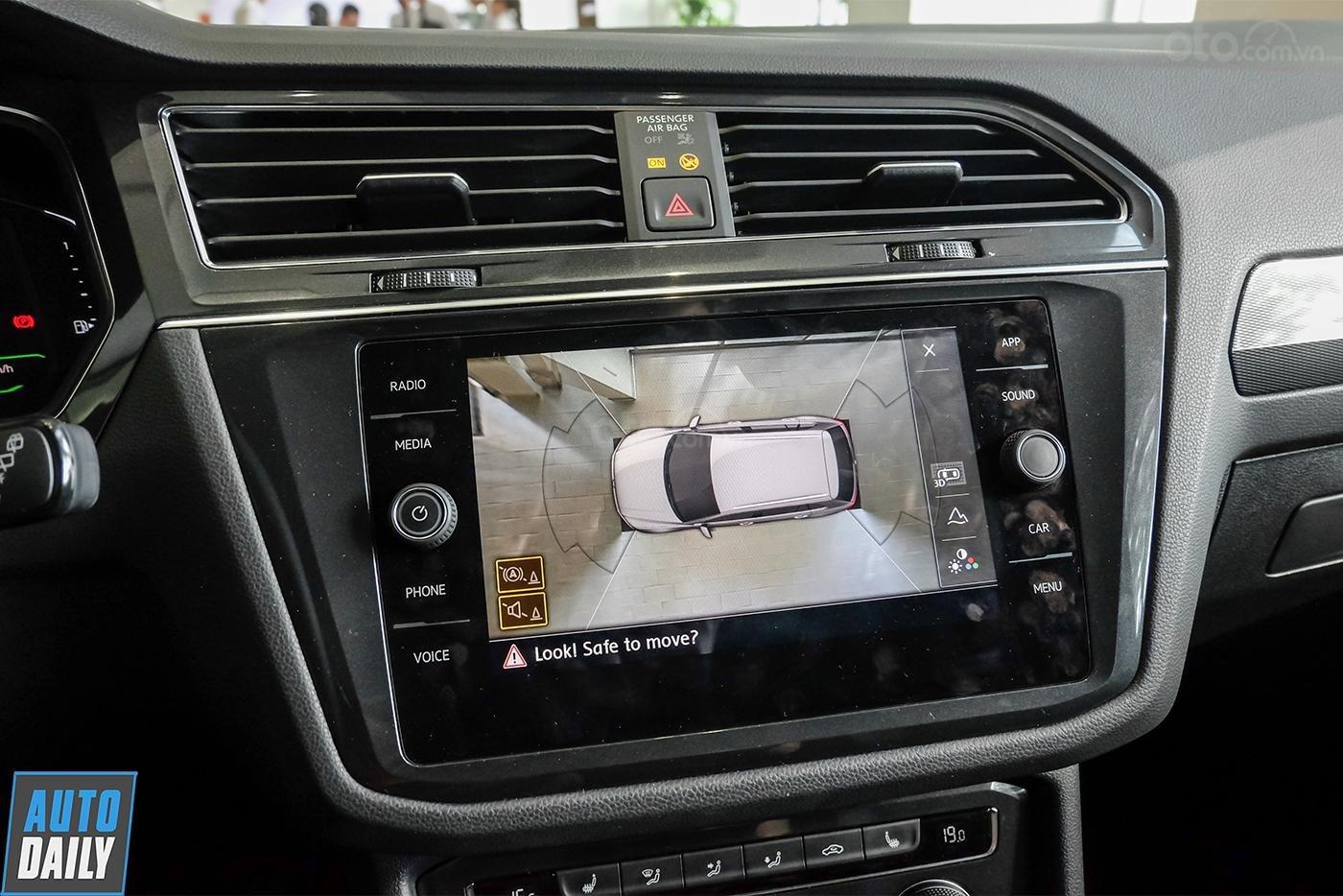 Tiguan Luxury S Màu xám - Phiên bản Offroad khuyến mãi hấp dẫn - Xe đủ màu giao ngay (12)