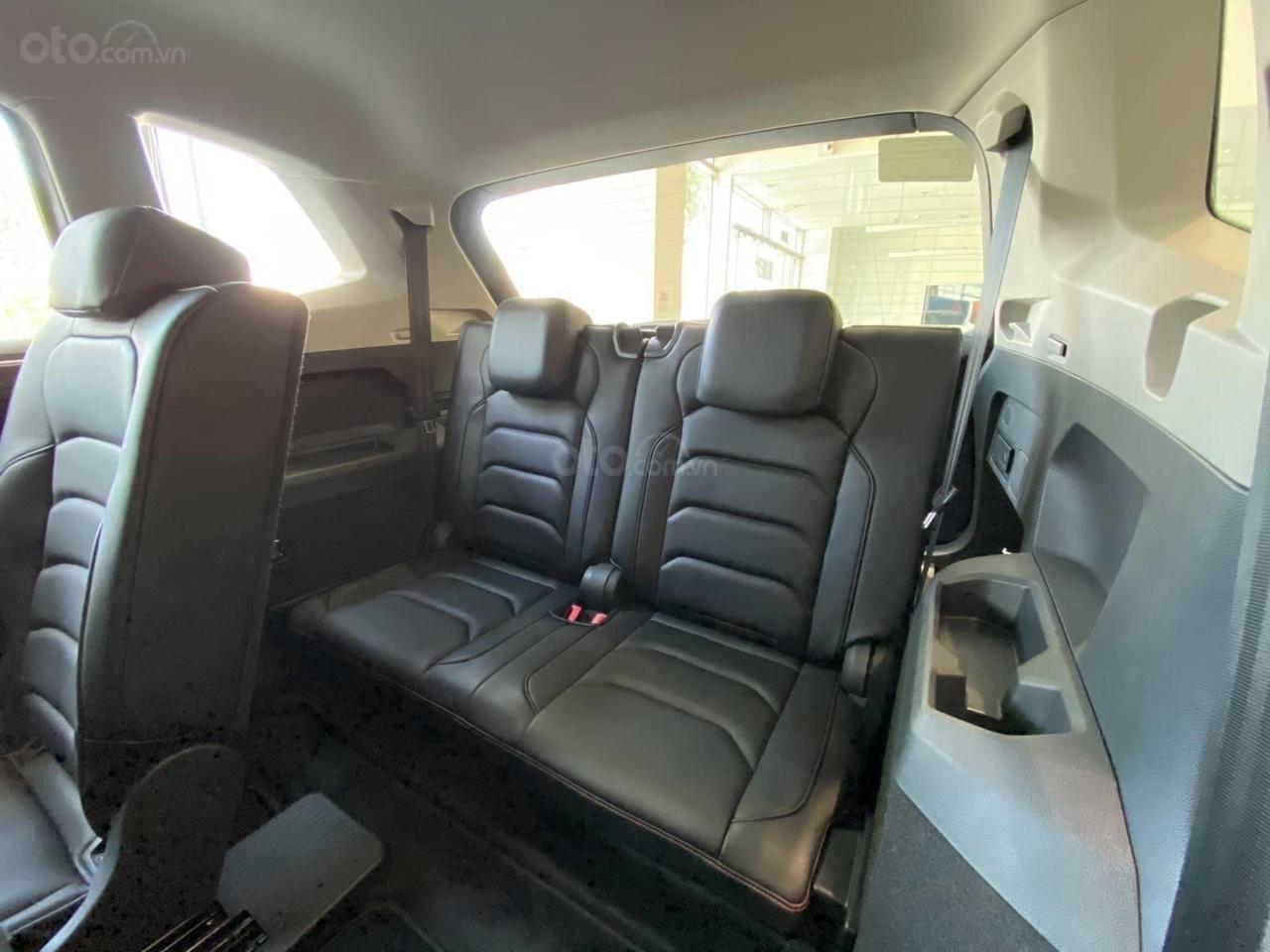 Tiguan Luxury S Màu xám - Phiên bản Offroad khuyến mãi hấp dẫn - Xe đủ màu giao ngay (13)