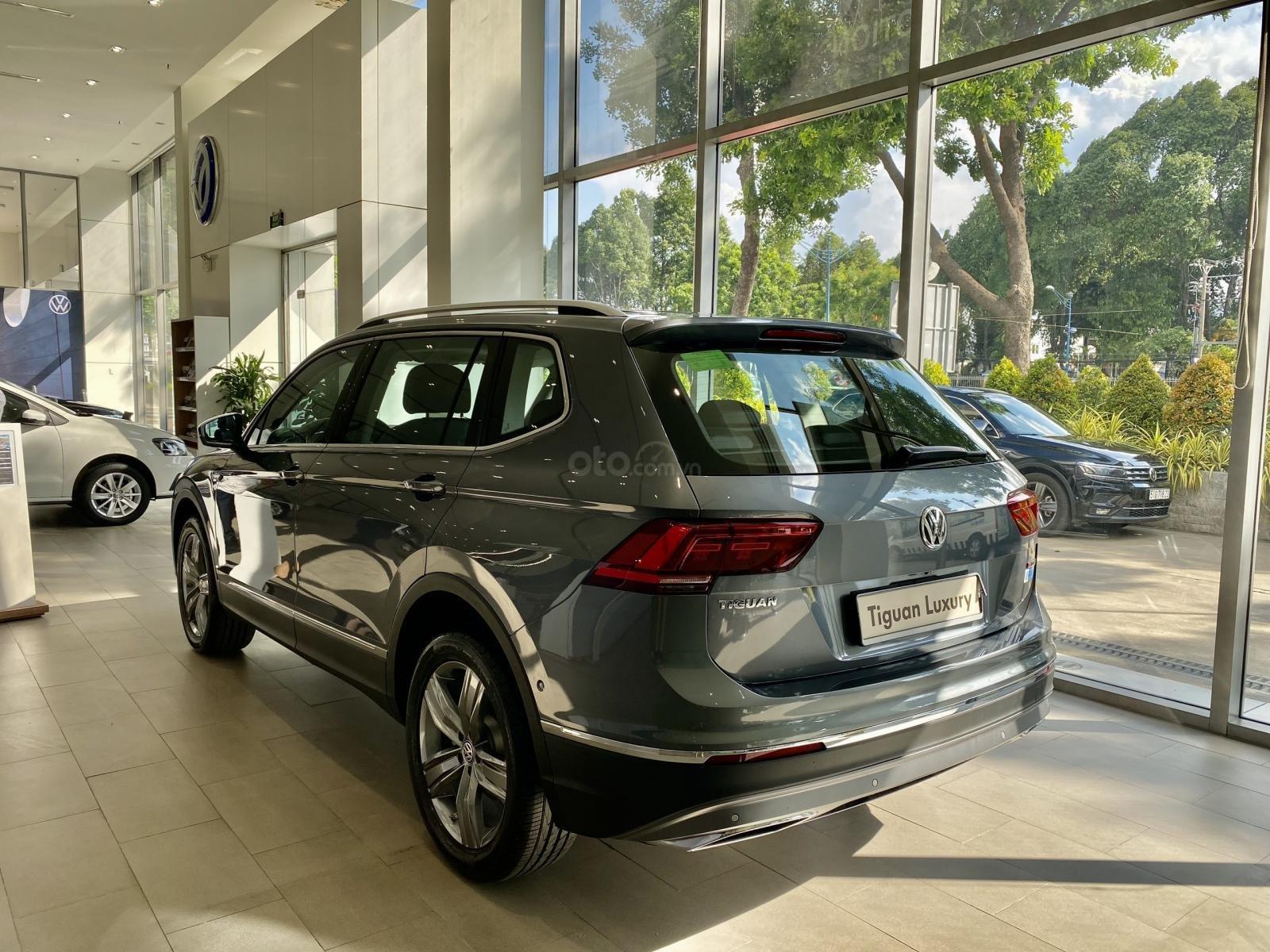 Tiguan Luxury S Màu xám - Phiên bản Offroad khuyến mãi hấp dẫn - Xe đủ màu giao ngay (14)