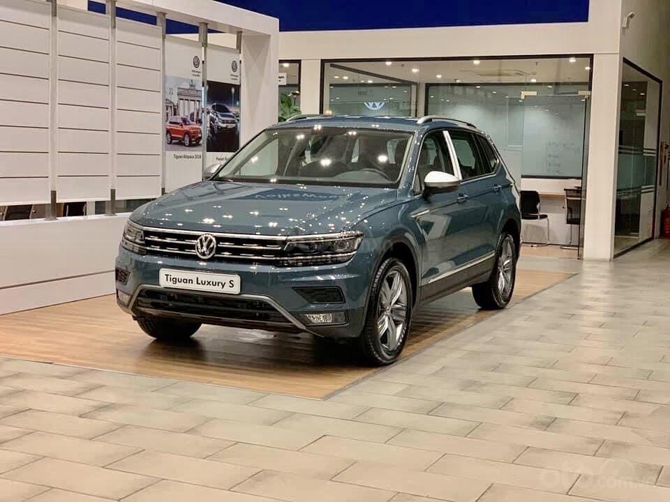 Vw Tiguan Luxury S Màu xanh Petro xe nhập 100% hiếm có - độc lạ - Có sẵn giao ngay - Ngân hàng 80% (1)