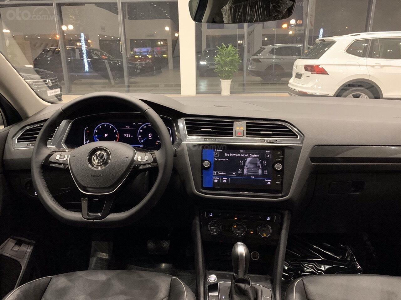 Vw Tiguan Luxury S Màu xanh Petro xe nhập 100% hiếm có - độc lạ - Có sẵn giao ngay - Ngân hàng 80% (6)