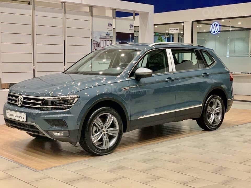 Vw Tiguan Luxury S Màu xanh Petro xe nhập 100% hiếm có - độc lạ - Có sẵn giao ngay - Ngân hàng 80% (8)