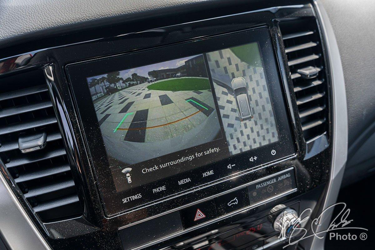 Camera lùi trên xe Mitsubishi Pajero Sport 2020 1