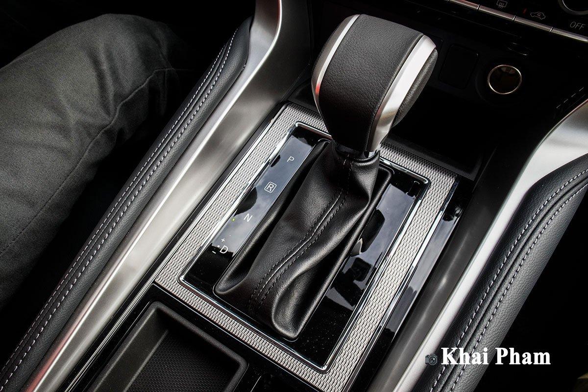 Ảnh Cần số xe Mitsubishi Pajero Sport 2020