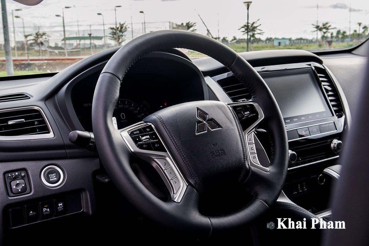 Ảnh Vô-lăng xe Mitsubishi Pajero Sport 2020