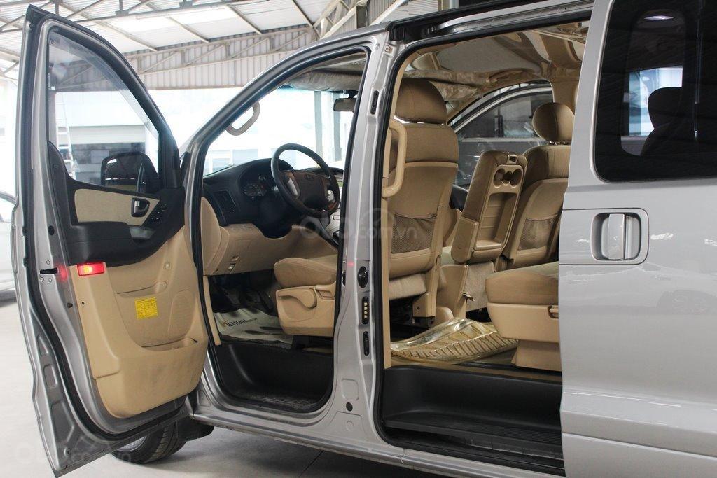 Hyundai Starex 2.5MT 2015, có kiểm định chất lượng (10)