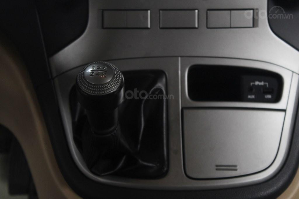 Hyundai Starex 2.5MT 2015, có kiểm định chất lượng (14)