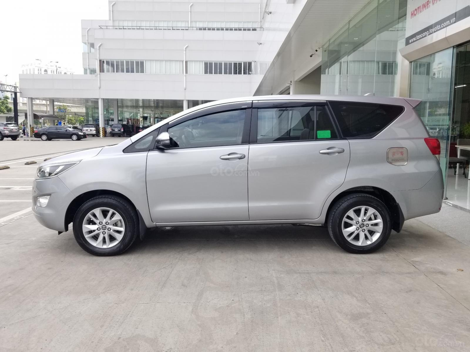 Cần bán xe Toyota Innova 2.0E 2019, màu bạc, xe gia đình HCM đi 45.000km - Xe chất giá tốt (3)