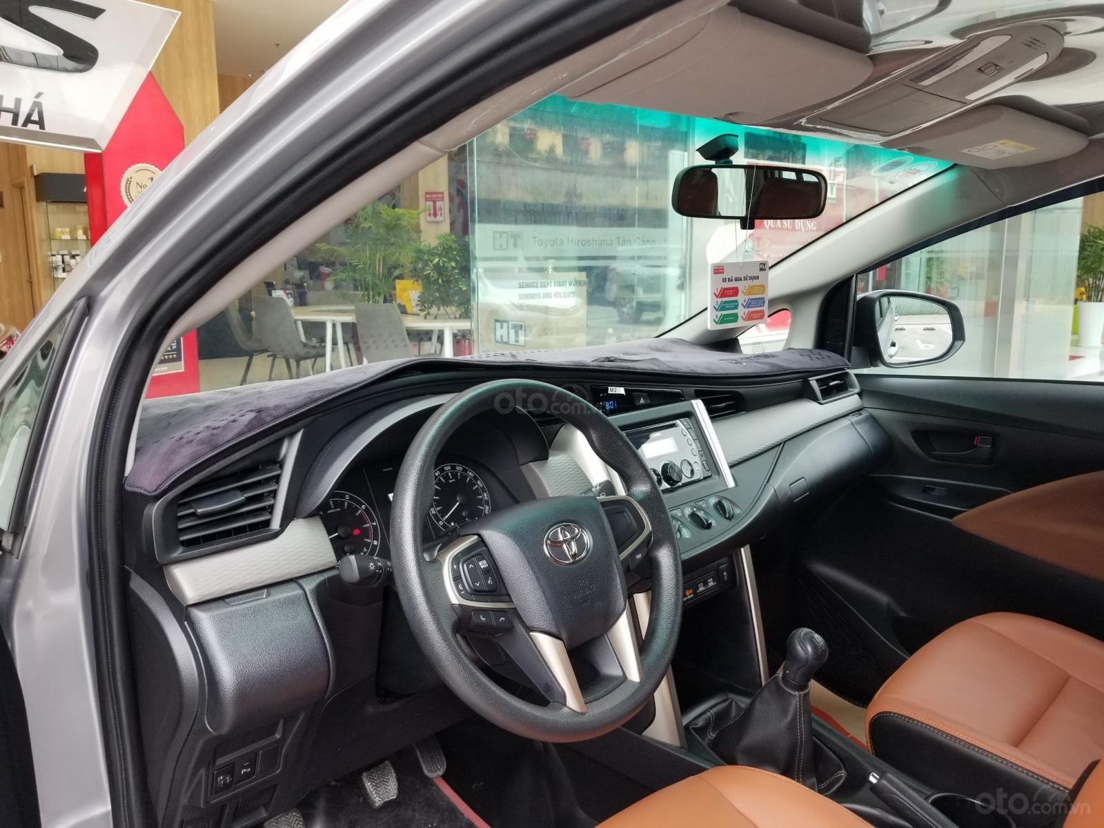 Cần bán xe Toyota Innova 2.0E 2019, màu bạc, xe gia đình HCM đi 45.000km - Xe chất giá tốt (6)