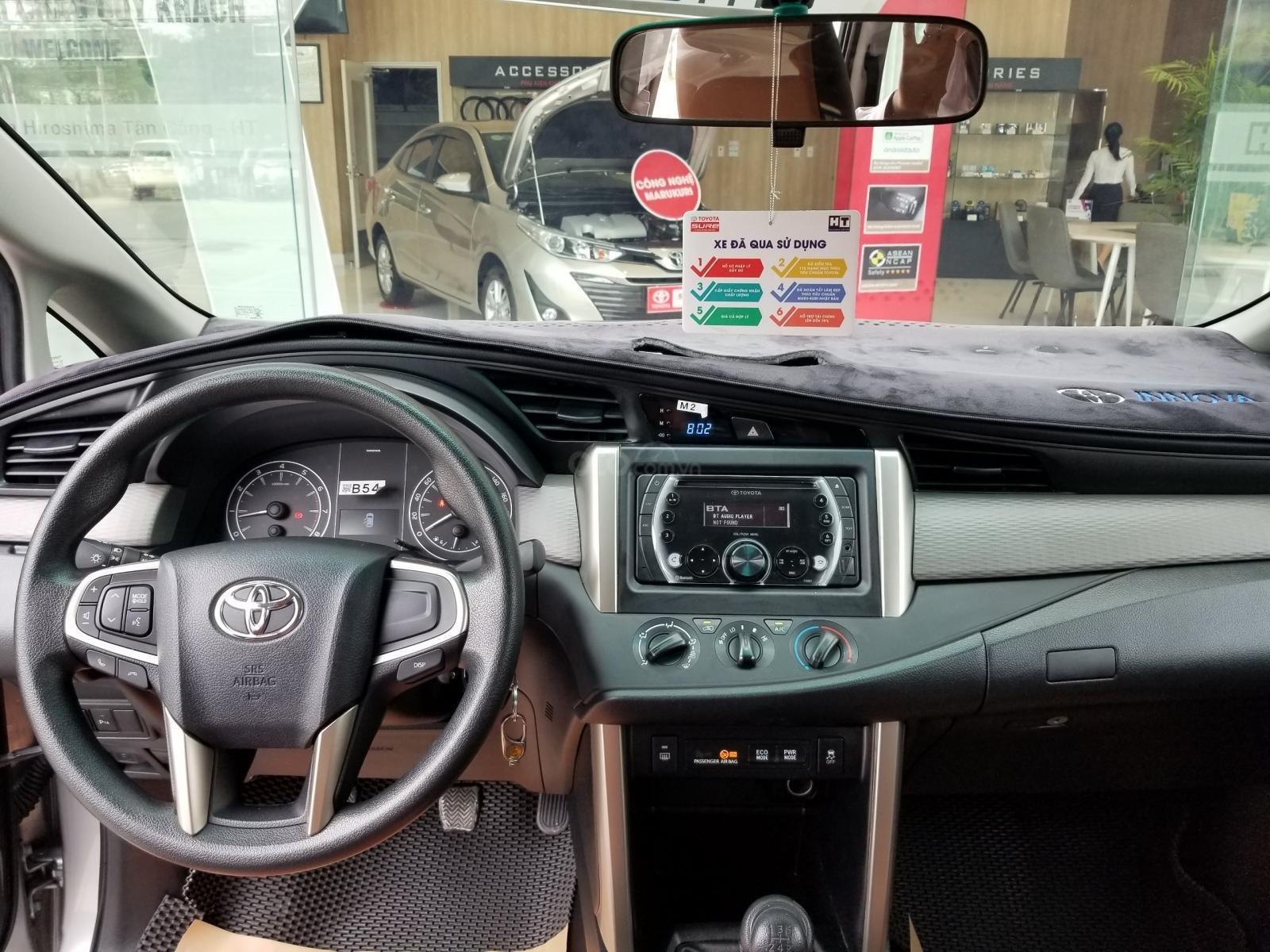 Cần bán xe Toyota Innova 2.0E 2019, màu bạc, xe gia đình HCM đi 45.000km - Xe chất giá tốt (8)