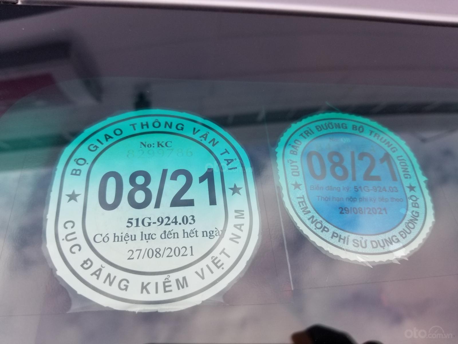 Cần bán xe Toyota Innova 2.0E 2019, màu bạc, xe gia đình HCM đi 45.000km - Xe chất giá tốt (11)