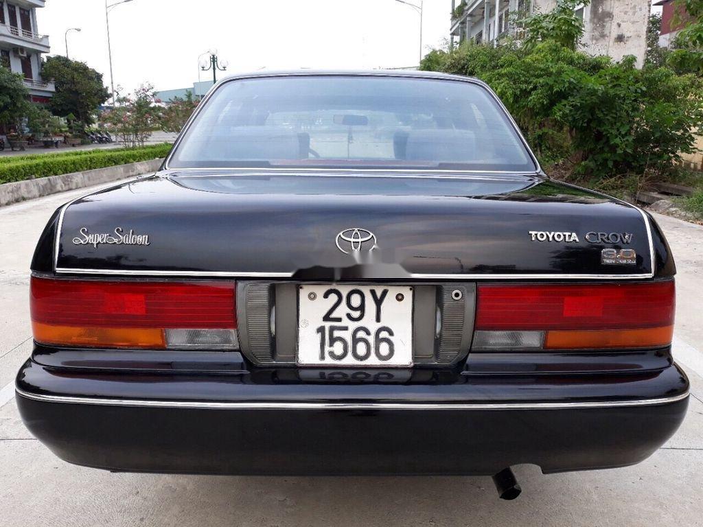 Bán Toyota Crown sản xuất năm 1994, màu đen, nhập khẩu nguyên chiếc chính chủ, giá tốt (2)