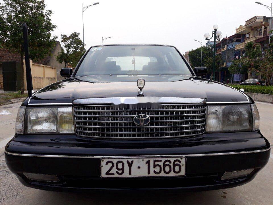 Bán Toyota Crown sản xuất năm 1994, màu đen, nhập khẩu nguyên chiếc chính chủ, giá tốt (10)