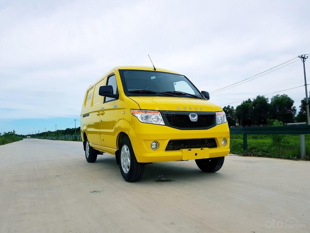 Xe tải Van Kenbo 2 chỗ tải trọng 945kg vào phố 24/24 (4)