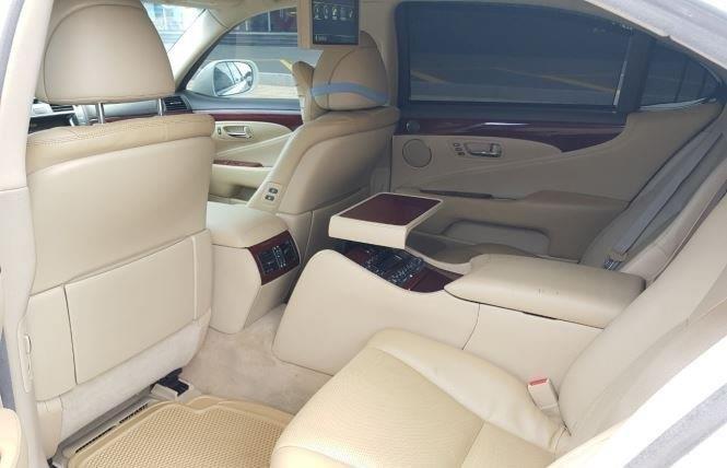 Bán Lexus LS năm 2007, màu trắng còn mới (9)