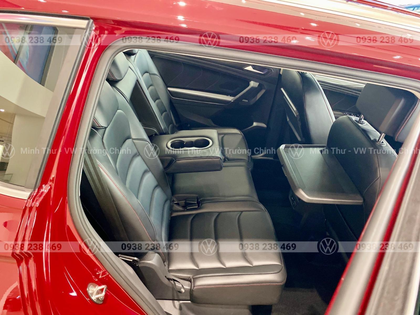 Tiguan allspace Luxury màu đỏ - Giảm 120 triệu tiền mặt + quà tặng từ vw sài gòn - Lái thử tận nhà (5)