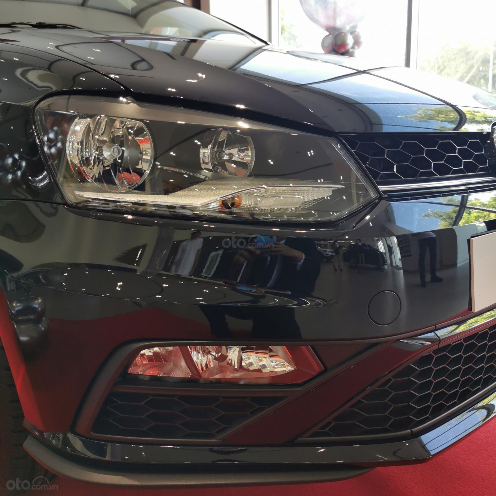 Volkswagen Polo Hatchback sản xuất 2020 màu đen - Khuyến mãi tháng 10 giảm ngay 11 triệu và quà tặng (12)