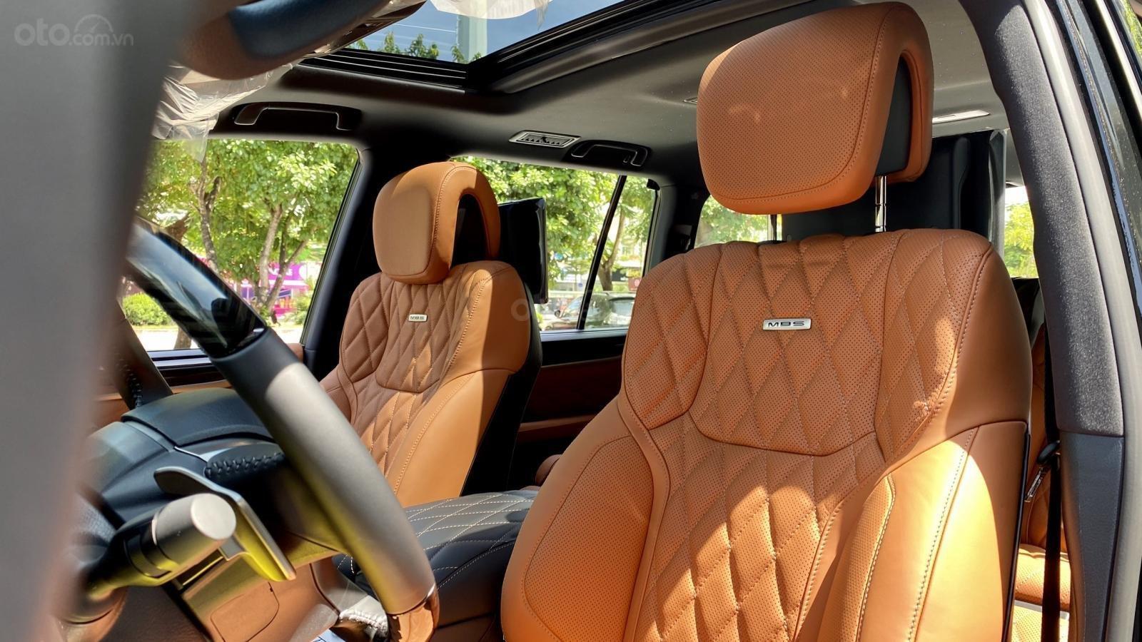 Bán ô tô Lexus LX 570S Super Sport MBS 4 ghế SX 2020, full trần sao, xe mới 100% (15)