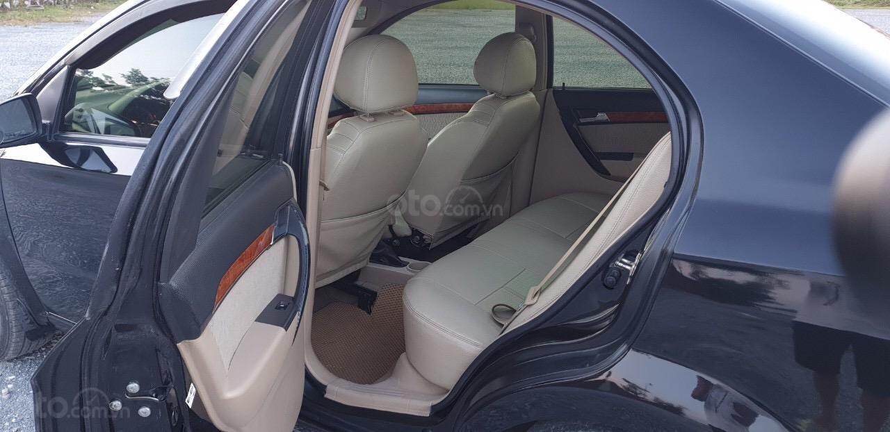 Bán gấp Daewoo Gentra đời 2010 xe gia đình đi giữ gìn (5)