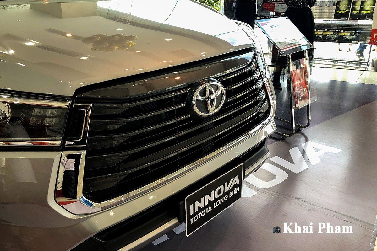Giá lăn bánh xe Toyota Innova 2020 mới nâng cấp tại Việt Nam a8